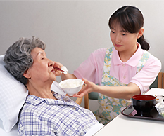 高齢者の食事介助