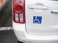 車椅子マークのステッカー