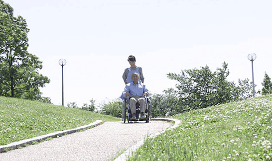 車椅子での散歩