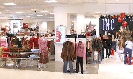 百貨店の服売り場