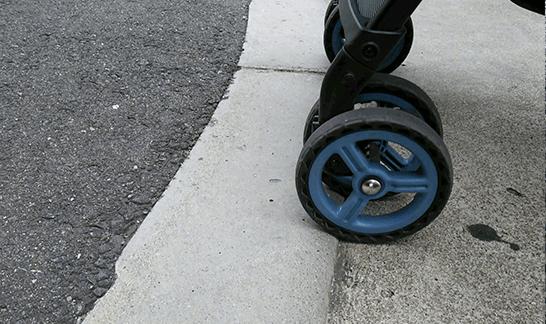 低い段差と車輪