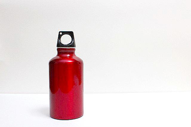消耗品の水筒